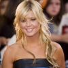 http://www.hotgossip.com/american-pie-actress-storms-out-of-american-boutquie-in-a-strop/10748/