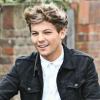 http://www.hotgossip.com/1d-band-member-complains-about-ridiculous-phone-charges-and-wants-simon-cowell-to-pay/11483/
