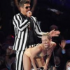 http://www.hotgossip.com/robin-thicke-insists-he-does-not-twerk/11467/