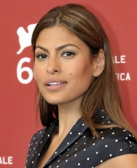 Eva Mendes Reveals Why She Doesn't Post Photos of Her Kids
