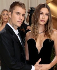 Hailey Bieber Shuts Down 'Rumors About How Justin Treats Her
