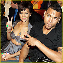 Chris Brown and Rihanna Making Out in Public