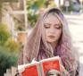 https://www.hotgossip.com/grimes-admits-she-was-trolling-paparazzi-with-reading-the-communist-manifesto/13770/
